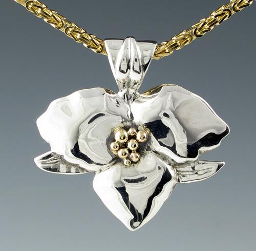 Trillium 'Mid-Size' Pendant - TT | Mary Ann Archer