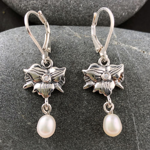 "Trillium Earrings ""Teeny Pearl""   Mary Ann Archer"