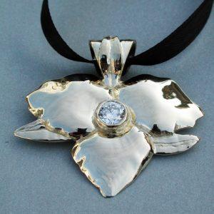 Diamond and Trillium Pendant 14KY | Mary Ann Archer